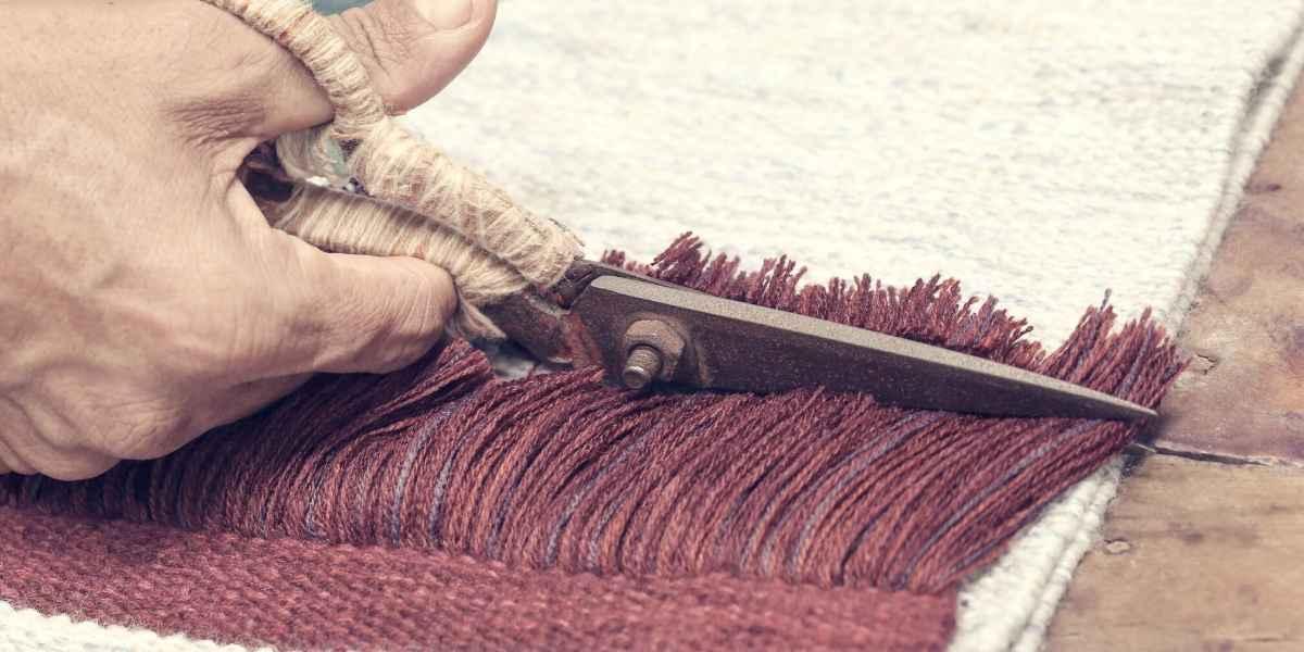 חיתוך פרנזים בשטיח