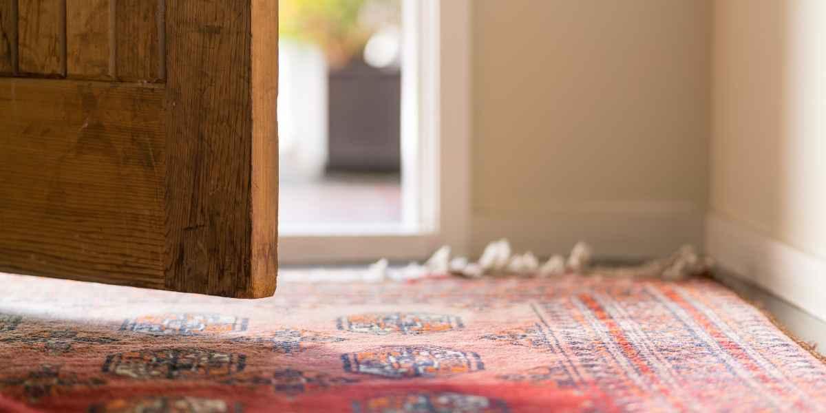 שטיח בכניסה לבית